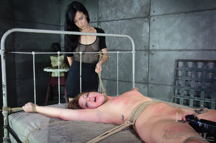 bdsm lesbian bondage